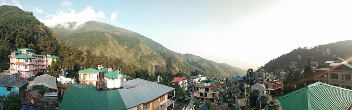 Landschaft von Indien Dharamsala wo ich meine Yoga Lehrer Ausbildung gemacht habe